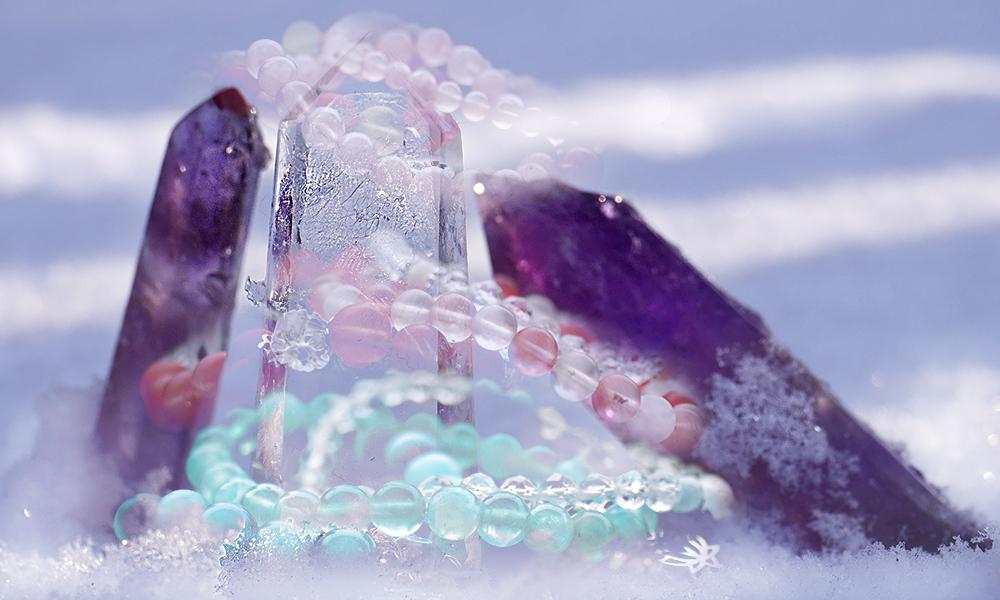 Ideer armband av ädelstenar och kristaller