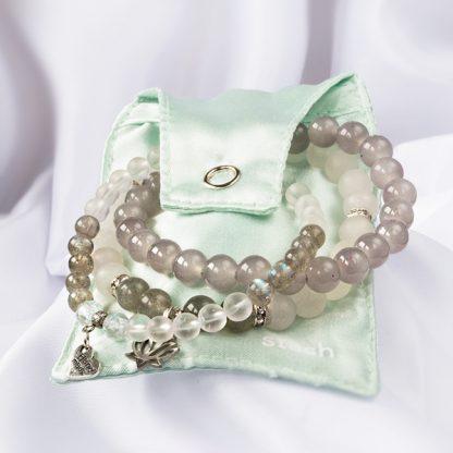 Stretcharmband Mix - 3 stycken bergkristall, opal, labradonit. Smyckepåse. Mineralsmycken.