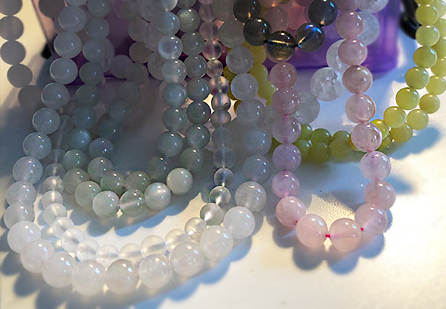 Pastellfärger - stensträng till mineralsmycken