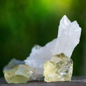 Citrin natursten. Bergkristall natursten.