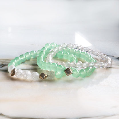 Armbandsset Selfcare - (ljus aventurin, krackelerad bergkristall och fasettslipad bergkristall)