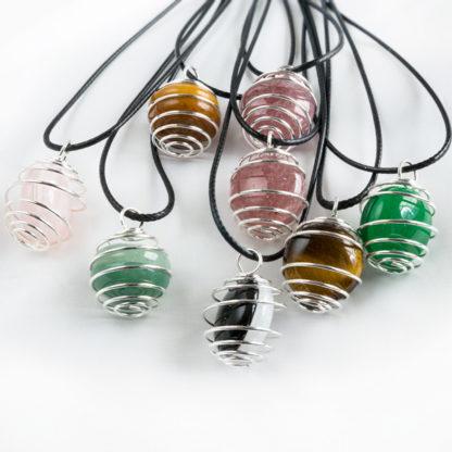 Halsband/Spiralhalsband med valfri natursten i spiralkorg