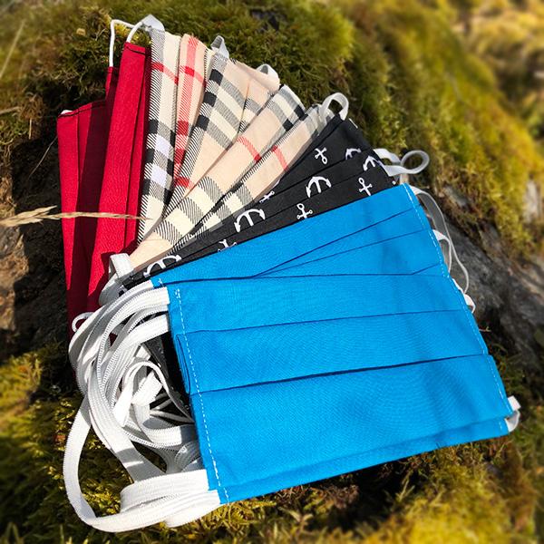 Tvättbara munskydd i glada färger sydda i bomull
